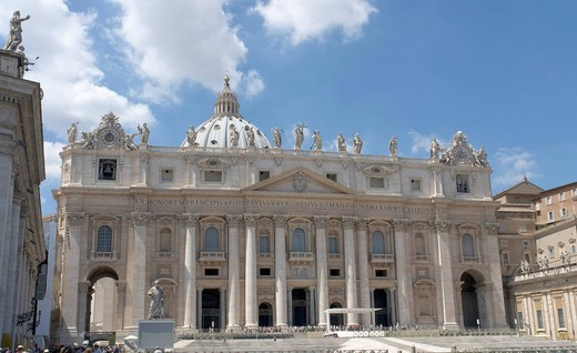 Façade of Saint Peter´s Basilica in the Vatican, Rome, Italy, Europe : Stock Photo