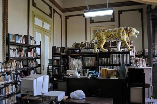 Stock Photo: 1848-541979 Jose Marti library, Vidal Park, historic centre of Santa Clara, Cuba, Caribbean, Central America