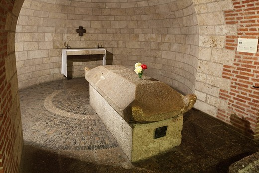 Burial place of St. Afra in the crypt of the Basilica of St. Ulrich and Afra, Augsburg, Schwaben, Bavaria, Germany, Europe : Stock Photo