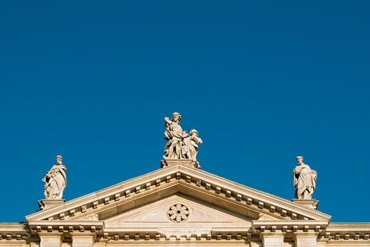 Statues of Saints, San Toma Church dedicated to San Tommaso Apostolo, Apostle Thomas, Venice, Veneto, Italy, Europe : Stock Photo
