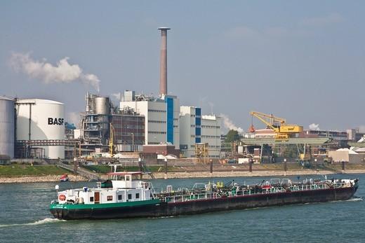 Stock Photo: 1848-545092 BASF on the banks of the Rhine with ship, Ludwigshafen am Rhein, Rhineland_Palatinate, Germany, Europe