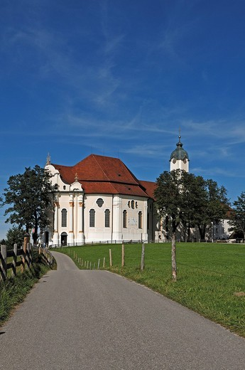 Stock Photo: 1848-545488 Path leading to the Pilgrimage Church of Wies with a blue sky, Wies 12, Steingaden, Upper Bavaria, Bavaria, Germany, Europe