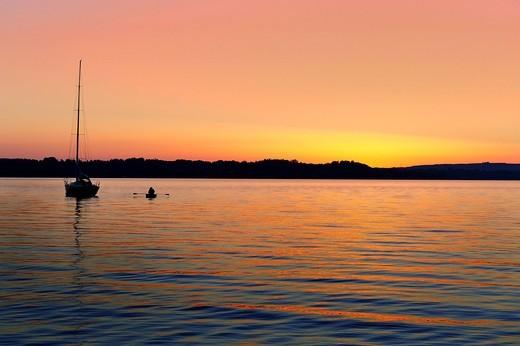 Stock Photo: 1848-546279 Sunset on Starnberger See or Lake Starnberg, pier at Buchscharner Seewirt at St. Heinrich, Muensing, Upper Bavaria, Bavaria, Germany, Europe