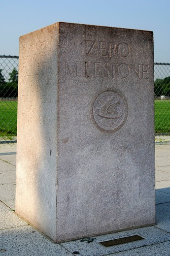 Zero milestone, milestone for the determination of distances from Washington DC on the US_American highways, Washington DC, USA : Stock Photo