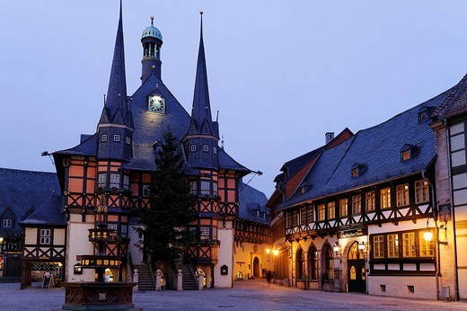 Historic Town Hall of Wernigerode, with a Christmas tree, night photograph, Harz, Saxony_Anhalt, Germany, Europe : Stock Photo