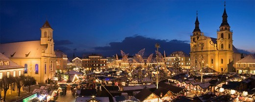 Christmas market on the marketplace in Ludwigsburg, Baden_Wuerttemberg, Germany, Europe : Stock Photo