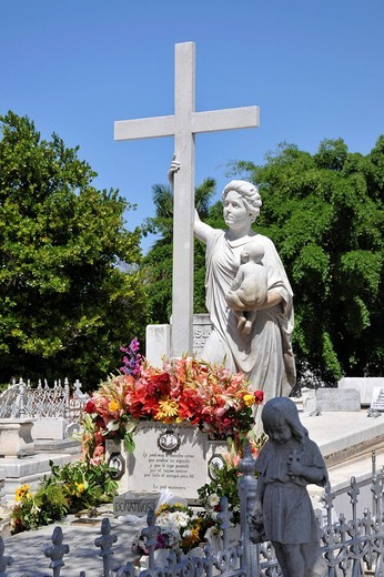 Grave of Amelia Goyri, a woman known as La Milagrosa, Colon Cemetery, Cementerio Cristobal Colon, Havana, historic district, Cuba, Caribbean, Central America : Stock Photo