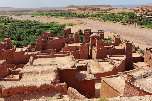 Roofs, Kasbahs and river beds, Ouarzazate, residential castle of the Berber, Ksar or fortified mud_brick village, Ait Benhaddou, South Morocco, Morocco, Africa : Stock Photo