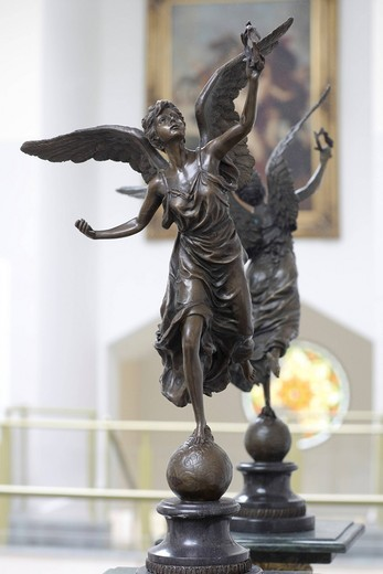Stock Photo: 1848-550315 Decorative antique statue of a goddess