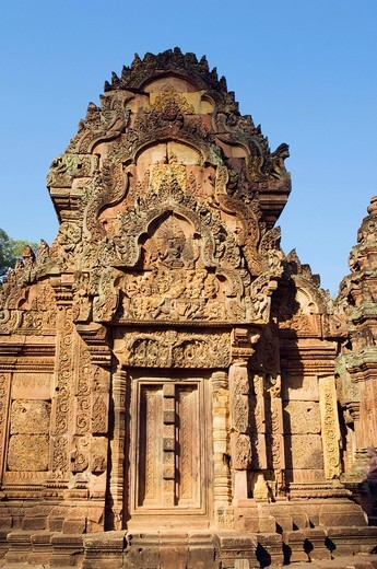 Stonemasonry on the Banteay Srei temple, Banteay Srey, Siem Reap, Cambodia, Indochina, Southeast Asia : Stock Photo