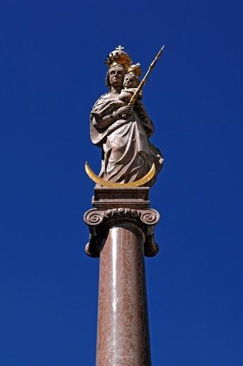 Marian column from 1698, Marienplatz square, Weilheim, Upper Bavaria, Germany, Europe : Stock Photo