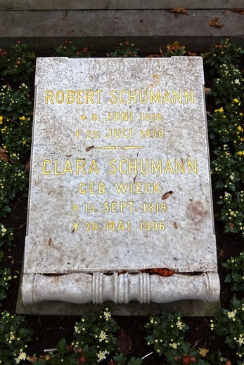 Stock Photo: 1848-552790 Burial site of Robert and Clara Schumann, Alter Friedhof, old cemetery, Bonn, North Rhine_Westphalia, Germany, Europe