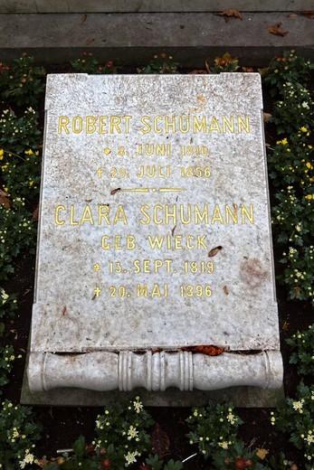 Burial site of Robert and Clara Schumann, Alter Friedhof, old cemetery, Bonn, North Rhine_Westphalia, Germany, Europe : Stock Photo