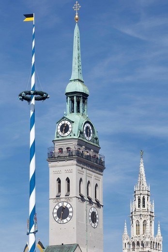 Maypole at Viktualienmarkt markets, steeple of the Church of St. Peter and the Old Town Hall, Munich, Upper Bavaria, Bavaria, Germany, Europe : Stock Photo