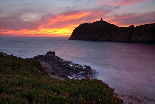 Stock Photo: 1848-554805 L´lle_Rousse Peninsula with Da le Pietra Lighthouse at sunset, Corsica, France, Europe