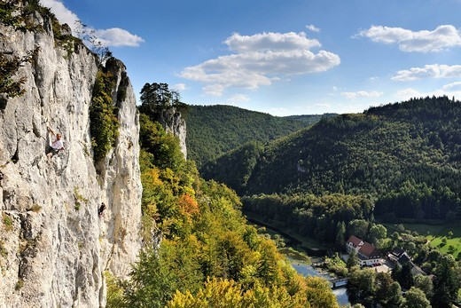 Stock Photo: 1848-555339 Falkenwand, a rock wall used for climbing, between Thiergarten and Neidingen in the Upper Danube Valley, district of Sigmaringen, Baden_Wuerttemberg, Germany, Europe