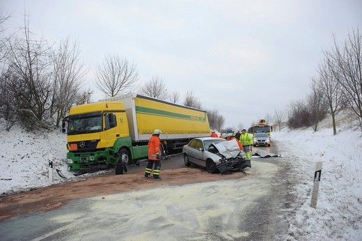 Fatal traffic accident on the L 1140 Hemmingen _ Schwieberdingen, car crashed into a truck, driver died while still in the car, Baden_Wuerttemberg, Germany, Europe : Stock Photo