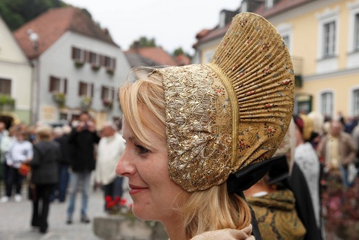 Young woman wearing the traditional Wachau costume with a gold cap, Thanksgiving Festival, Spitz, Wachau, Waldviertel, Forest Quarter, Lower Austria, Austria, Europe : Stock Photo