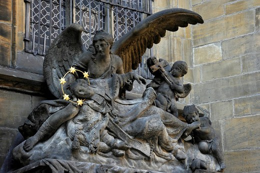 Stock Photo: 1848-557556 Sculpture of John of Nepomuk or John Nepomucene and angels at the Gothic St. Vitus Cathedral, Prague Castle, Hradcany, Prague, Bohemia, Czech Republic, Europe