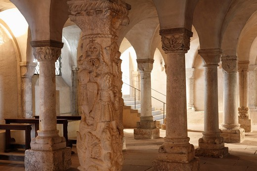 Crypt with beast column, Freisinger Dom St. Maria und St. Korbinian, Freising Cathedral of St. Mary and St. Korbinian, Freising, Upper Bavaria, Bavaria, Germany, Europe : Stock Photo