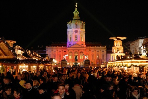 Christmas market in front of Charlottenburg Palace, Berlin, Germany, Europe : Stock Photo