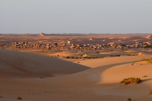Sahara, near Chinguetti, Mauretania, northwestern Africa : Stock Photo