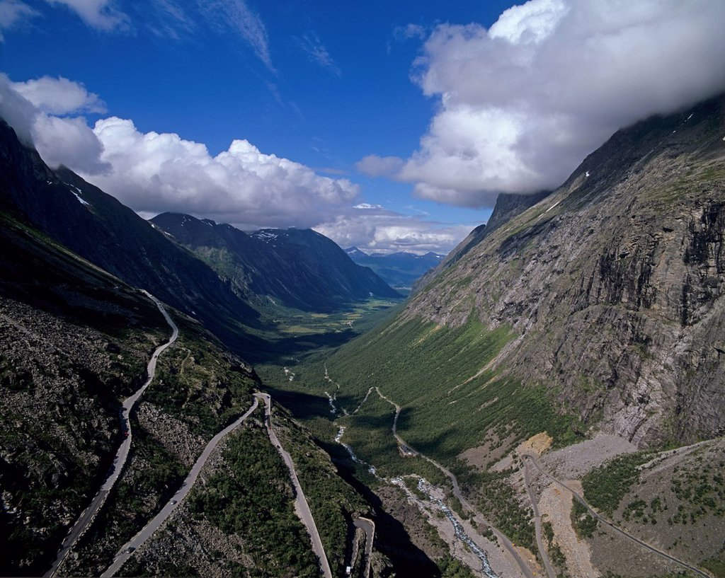 Stock Photo: 1848-561608 Landscape at Trollstigen, Troll´s Path, Trollstiegvegen, Møre og Romsdal, Norway, Scandinavia, Europe