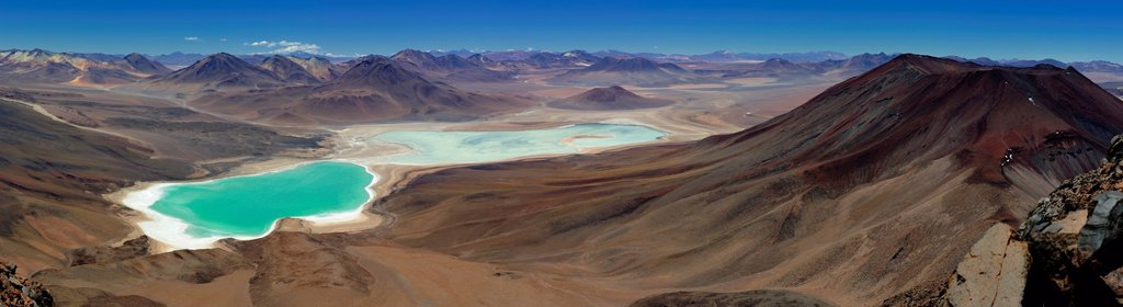 Laguna Verde lagoon and the surrounding area, Uyuni, Bolivia, South America : Stock Photo