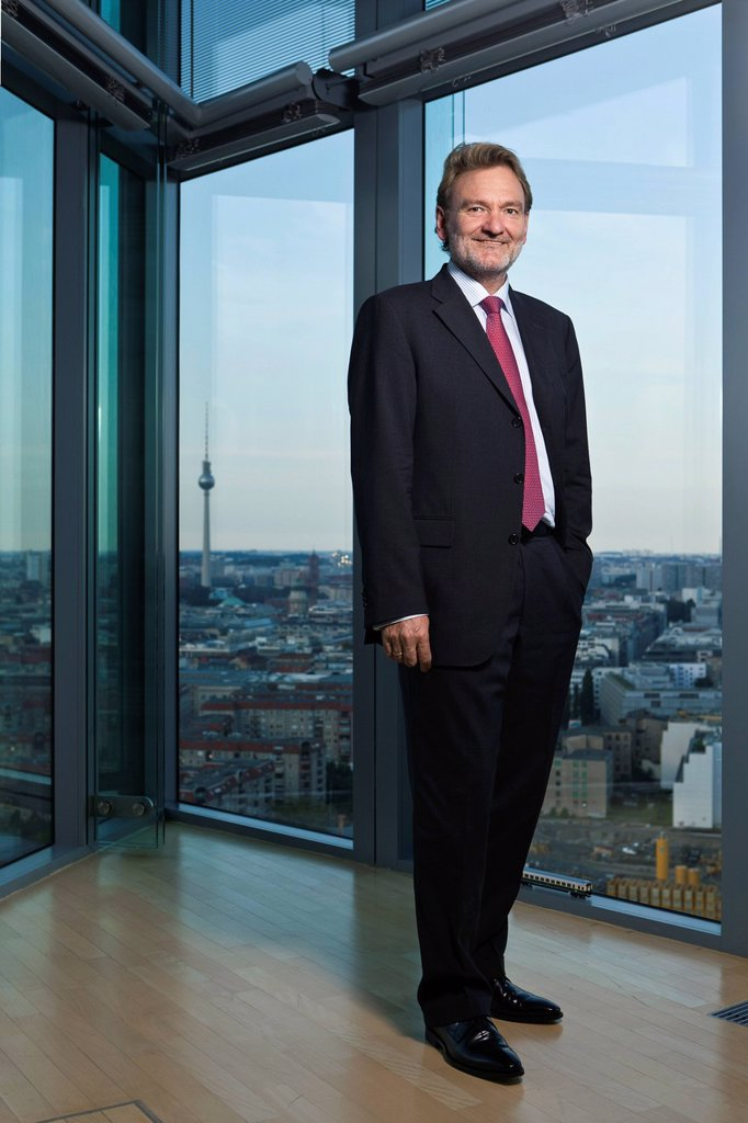 Volker Kefer, board member of the Deutsche Bahn AG, responsible for Technology, Integrated Systems, Services and Infrastructure of DB, view from the 24th floor of the DB Group headquarters at Potsdamer Platz in Berlin, Berlin, Germany, Europe : Stock Photo
