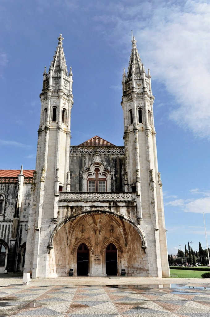Mosteiro dos Jeronimos, Hieronymites Monastery, Unesco World Heritage Site, Belem district, Lisbon, Portugal, Europe : Stock Photo