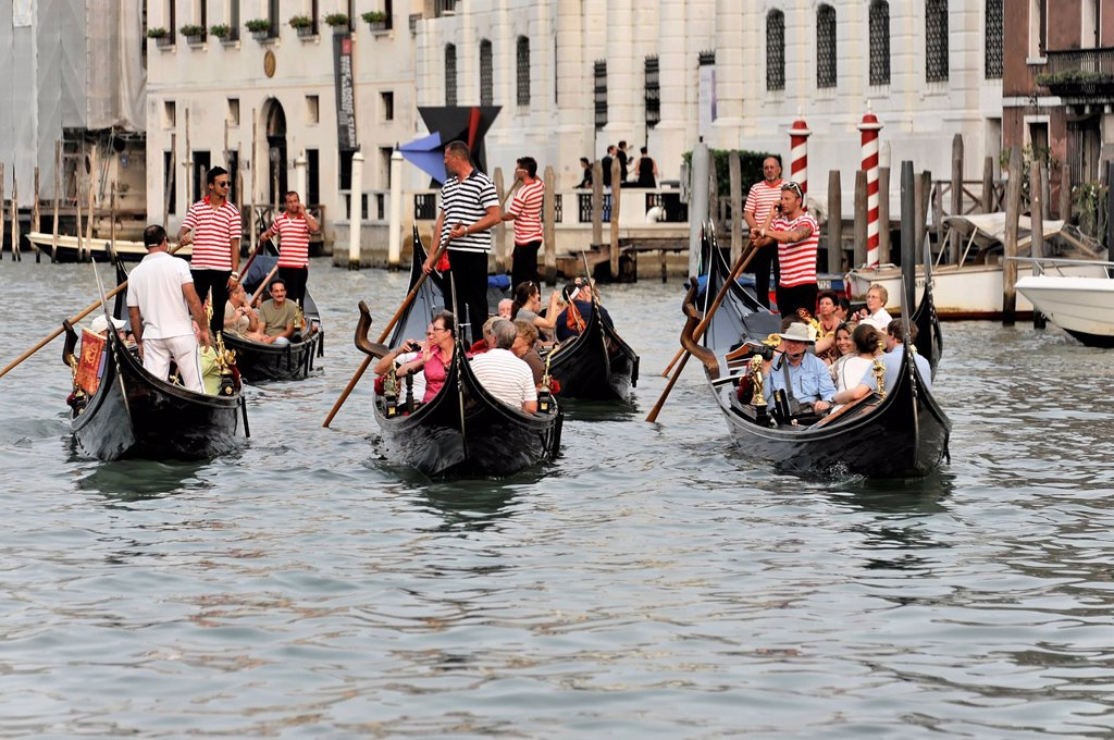 Grand Canal, gondolas with tourists in a tour group, Venice, Veneto, Italy, Europe : Stock Photo
