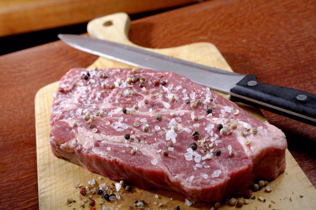 Stock Photo: 1848-565897 Chuck Eye Roll, Black Angus, raw meat