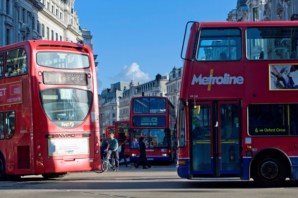 Stock Photo: 1848-565906 Double decker buses in Oxford Circus, London, England, United Kingdom, Europe