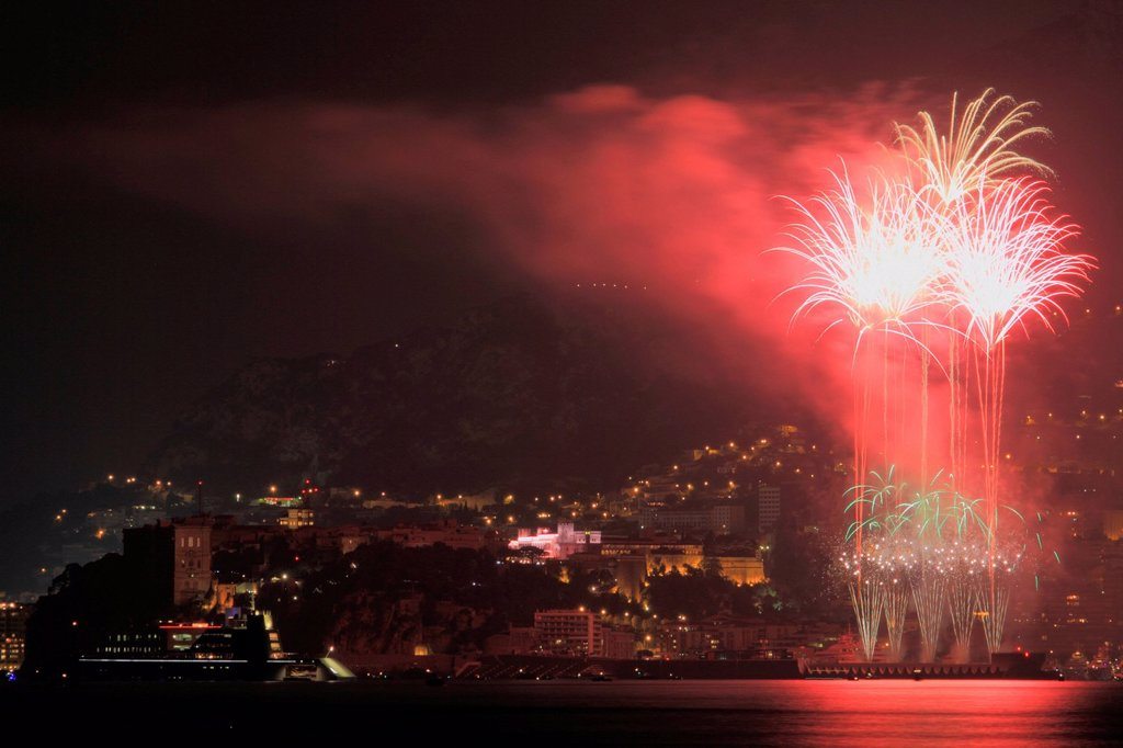Fireworks over the Principality of Monaco with the motor yacht, A, built by Blohm + Voss GmbH, overall length, 119 metres, built in 2008, owned by Andrei Melnichenko, Cote d´Azur, Mediterranean, Europe : Stock Photo