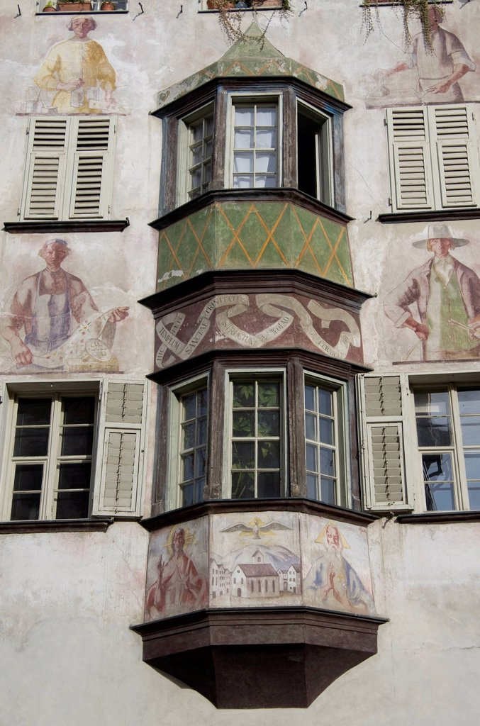 Stock Photo: 1848-567900 Bay window on a facade in the historic centre of Bozen, Bolzano, South Tyrol, Italy, Europe
