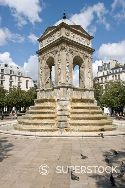 Fontaine des Innocents, only Renaissance fountain left in Paris, designed and sculpted by Jean Goujon in 1549, with later additions, Square des Innocents, Paris, France, Europe : Stock Photo
