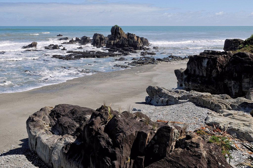 Stock Photo: 1848-568312 Coastal landscape with rocks and a sandy beach south of Punakaiki, Highway 6, Tasman Sea, West Coast, South Island, New Zealand