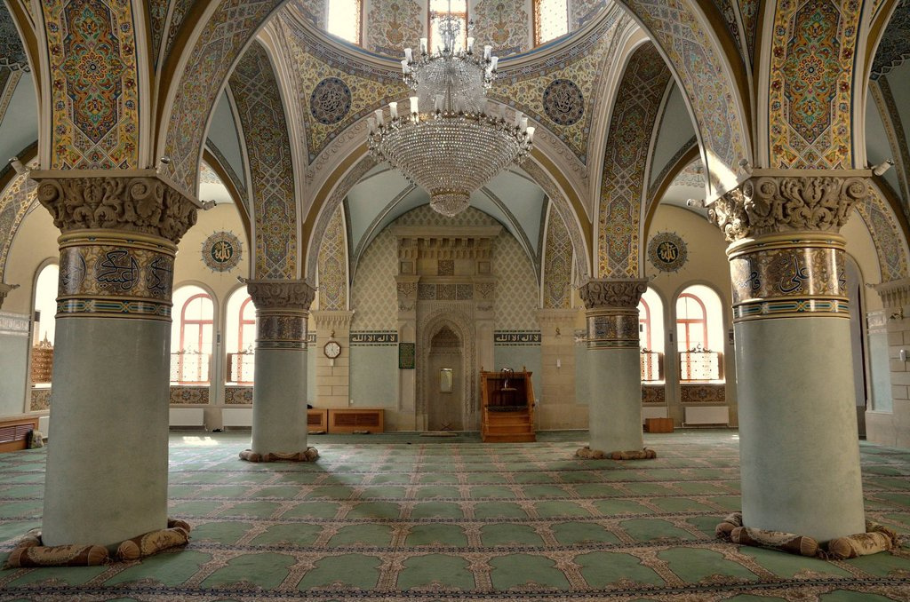 Stock Photo: 1848-569380 Prayer room of the Friday Mosque in the historic town centre of Baku, UNESCO World Heritage Site, Azerbaijan, Caucasus, Middle East, Asia