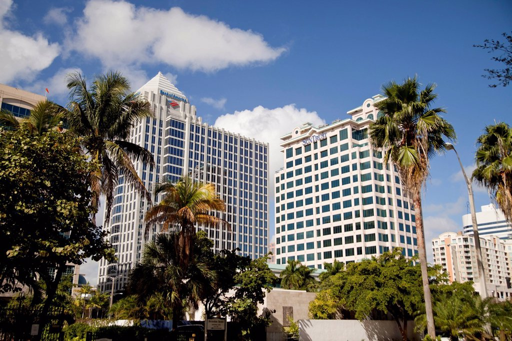 Stock Photo: 1848-570162 Bank of America and Suntrust skyscrapers in Fort Lauderdale, Florida, USA