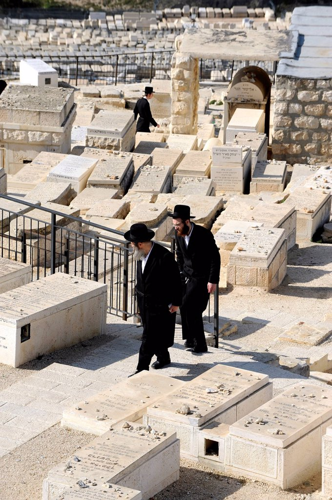 Stock Photo: 1848-570288 Orthodox Jews in the Jewish cemetery, Mount of Olives, Old City of Jerusalem, Israel, Middle East, Western Asia, Asia