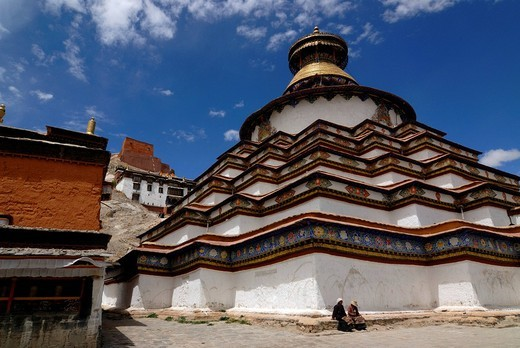 Stock Photo: 1848-57131 Gyantse Kumbum, walk_in mandala, and Pelkor Choede Monastery, Gyantse, Tibet, China, Asia