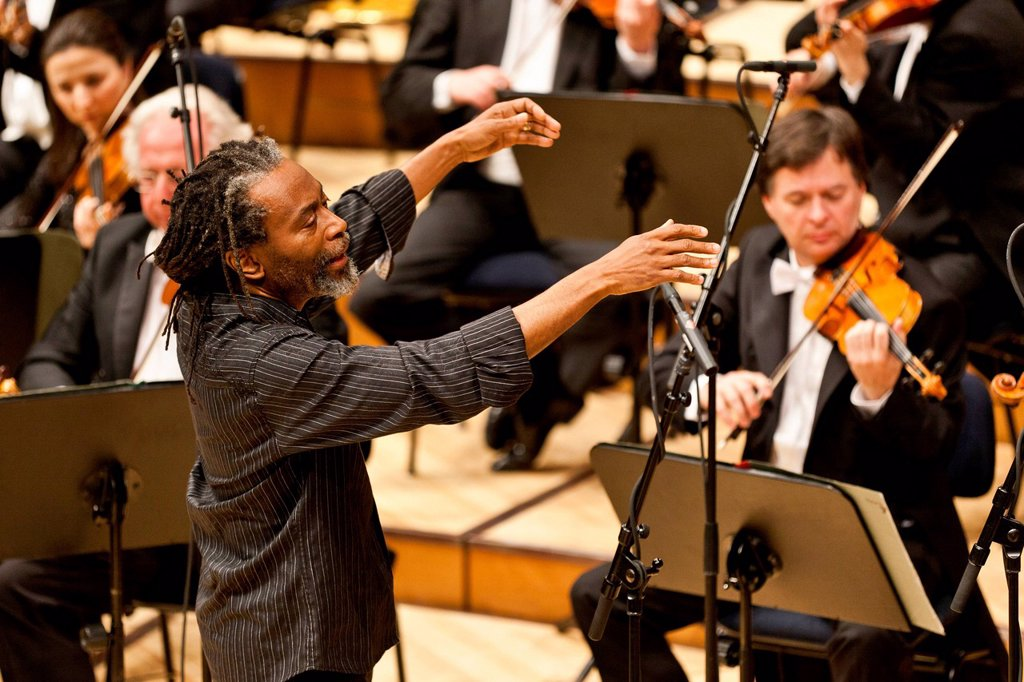 Stock Photo: 1848-571384 The US_American musician, conductor and singer Bobby McFerrin live in concert together with the Muenchner Rundfunkorchester orchestra, at the concert hall of the KKL in Lucerne, Switzerland, Europe