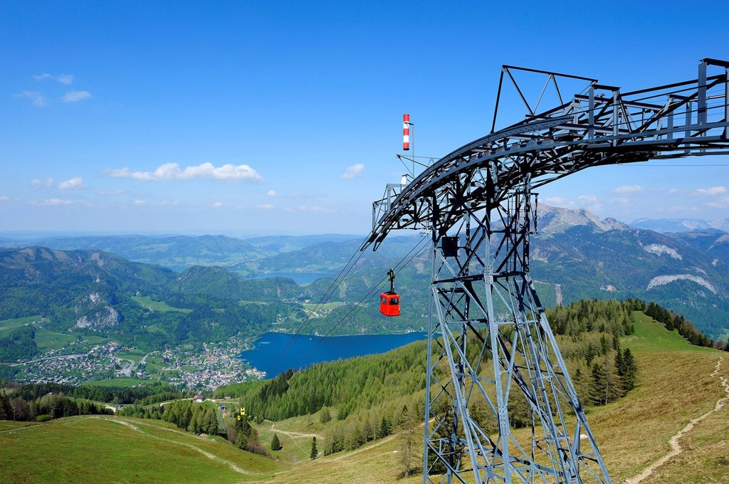 Stock Photo: 1848-571408 Zwoelferhorn cable car, overlooking St. Gilgen, Lake Wolfgang, Lake Atter and Lake Mond, Salzkammergut, Salzburg, Upper Austria, Austria, Europe
