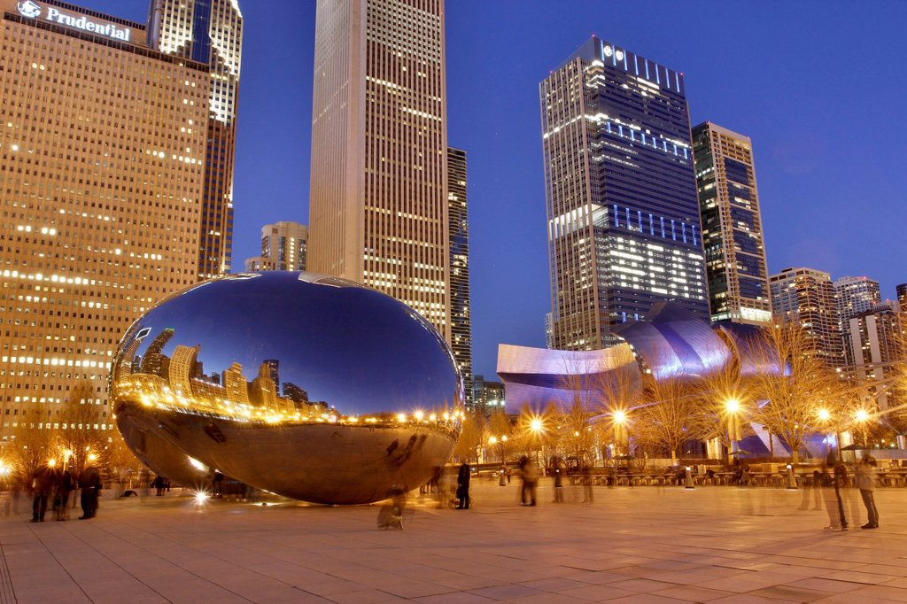 Stock Photo: 1848-574530 Cloud Gate in the evening, Chicago, Illinois, USA, North America