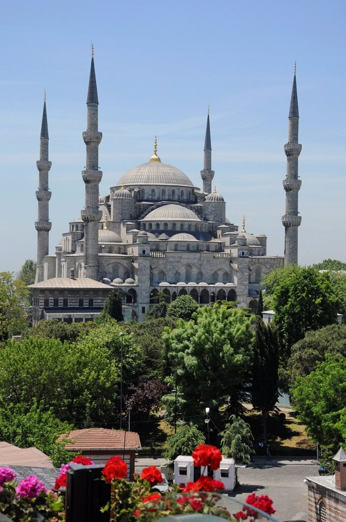 Stock Photo: 1848-578388 Sultan Ahmed Mosque or Blue Mosque, historic district of Istanbul, Turkey, Europe