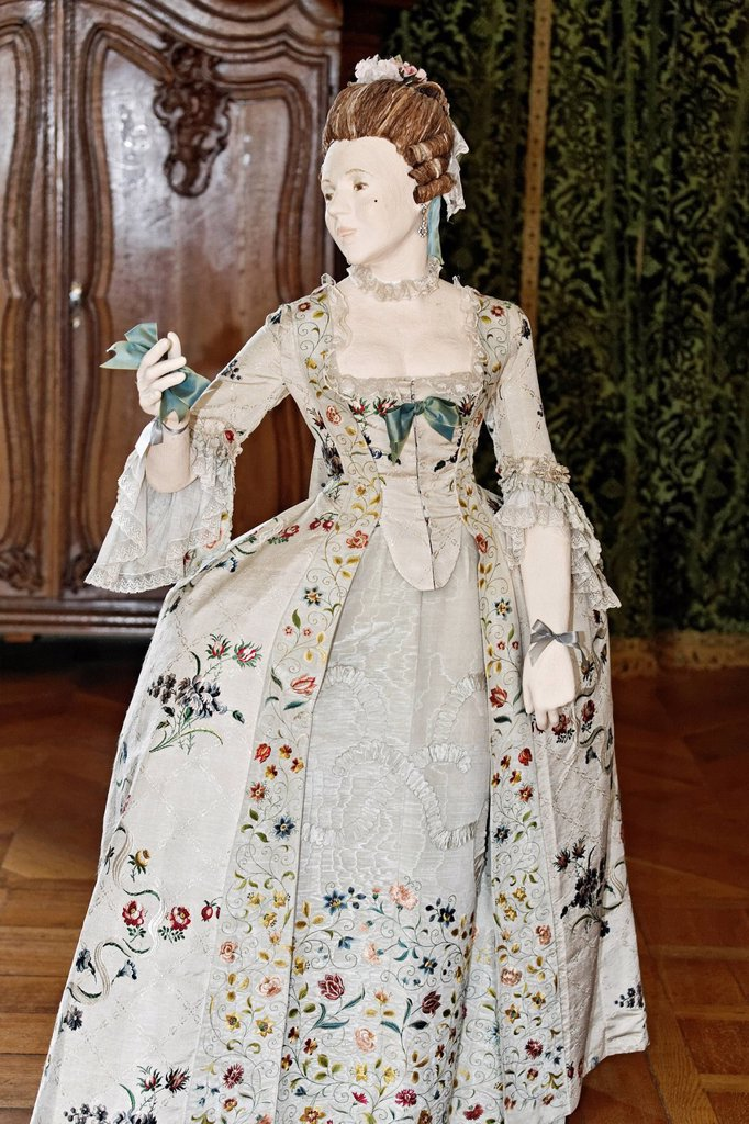 Stock Photo: 1848-579343 Female figure, dressed in Rococo style, Kasteel Hoensbroek, Limburg, The Netherlands, Europe