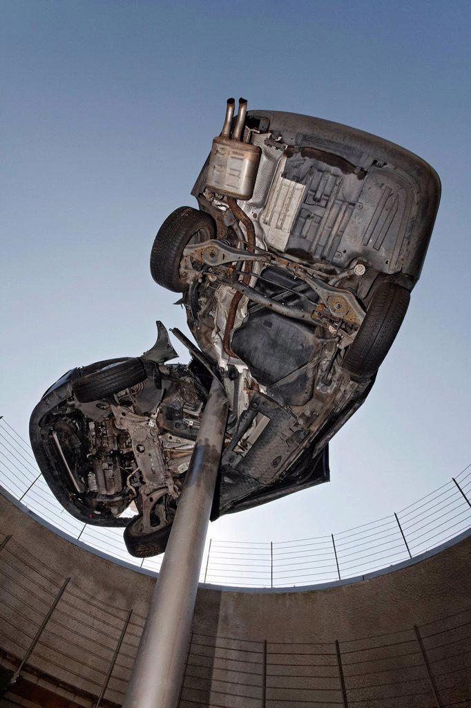Stock Photo: 1848-585339 Demolished totalled car, impaled, sculpture ´´Reaktor´´ or reactor by Dirk Skreber, Skulpturenpark Koeln sculpture park, Cologne, North Rhine_Westphalia, Germany, Europe