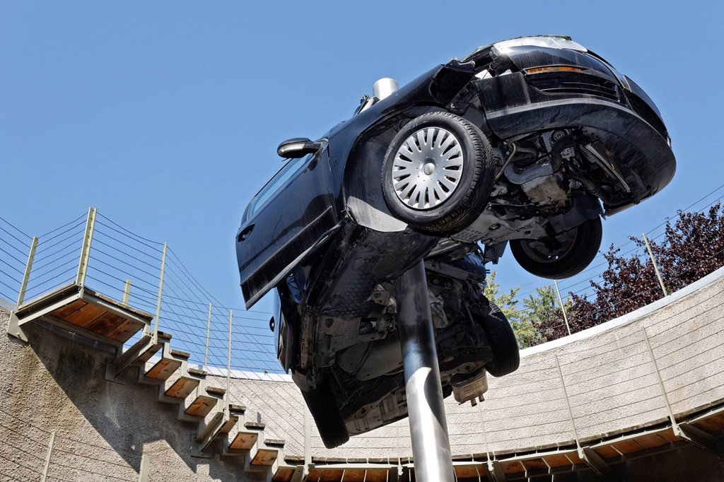 Stock Photo: 1848-585927 Demolished totalled car, impaled, sculpture ´´Reaktor´´ or reactor by Dirk Skreber, Skulpturenpark Koeln sculpture park, Cologne, North Rhine_Westphalia, Germany, Europe