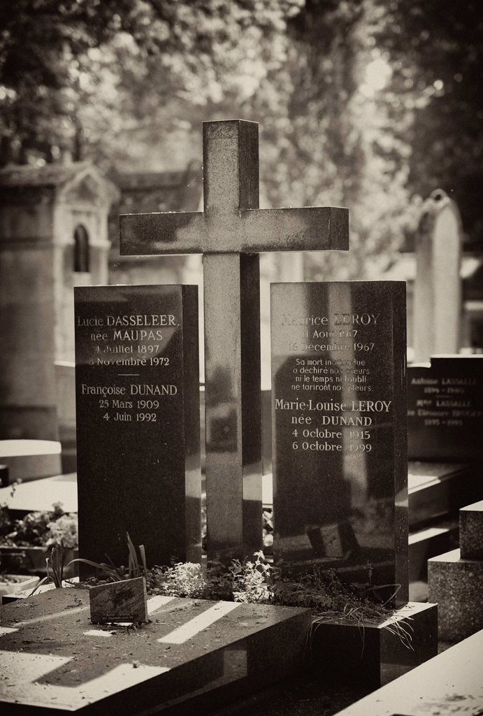 Stock Photo: 1848-586588 Grave of Maurice Leroy, Cimetière du Père Lachaise Cemetery, Paris, France, Europe, PublicGround