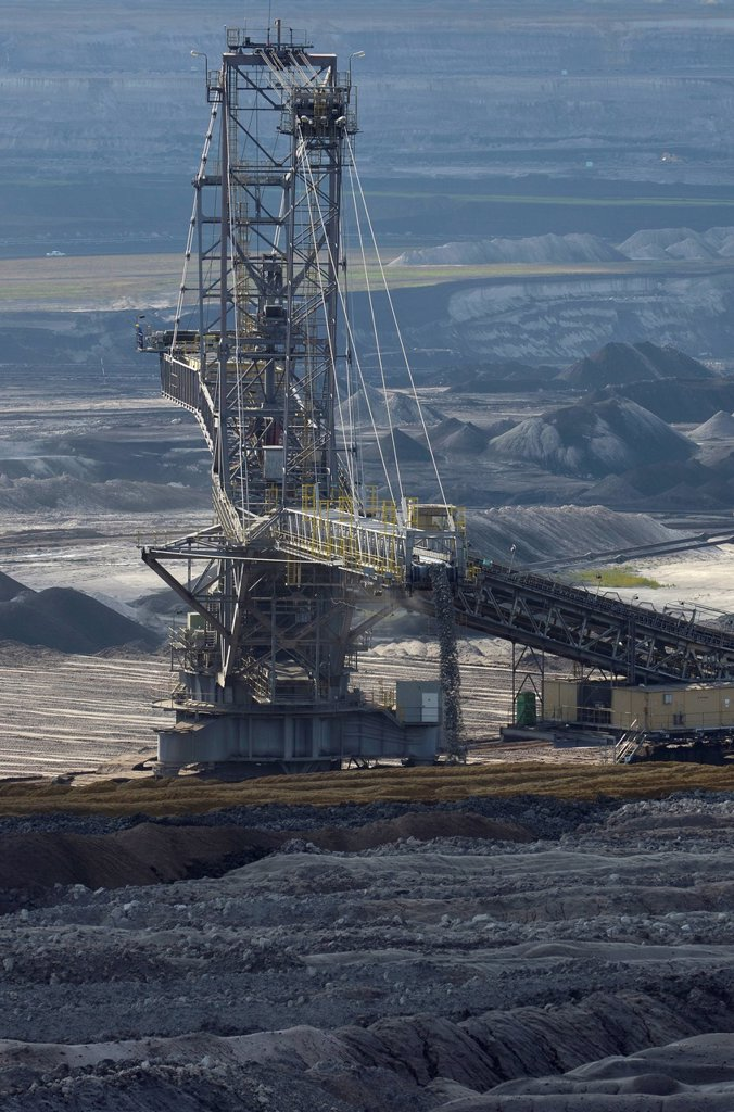 Spreader in the Tagebau Schleenhain open pit, Saxony, Germany, Europe : Stock Photo
